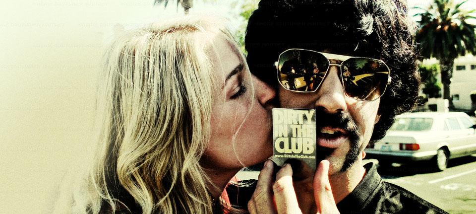 ditc-dd-girl-kiss01-master