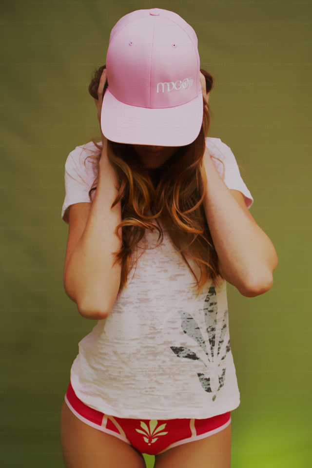 hat-curve-pink-white_6231